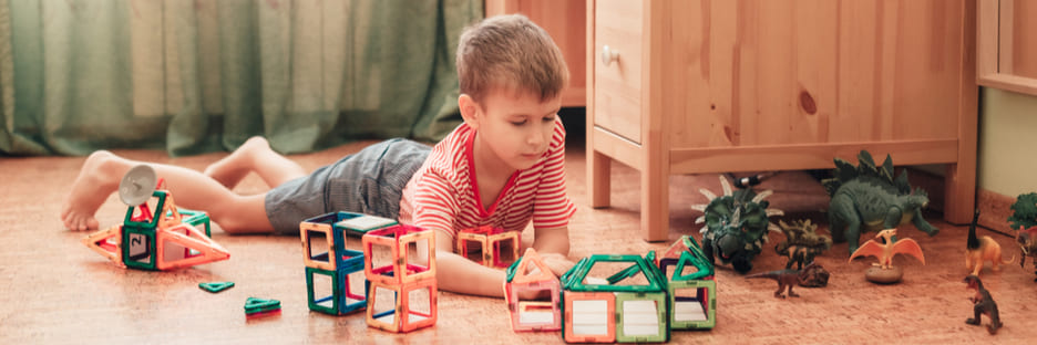 Juguetes para desarrollar la psicomotricidad fina en niños de educación infantil
